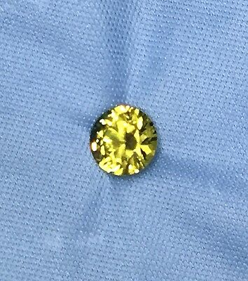 Flawless 2.86 Ct Round Brilliant Cut Deep Yellow Sapphire