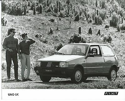 Fiat Uno SX Original Press Photograph 1984 Mint Condition With Glamorous Couple