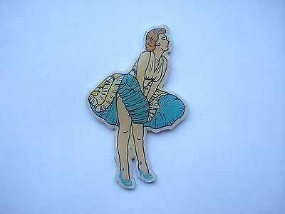 CHRISTMAS XMAS SALE VINTAGE NORMA JEAN MARILYN MONROE OLD PIN BADGE BROOCH 99p