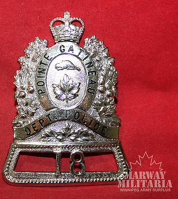 OBSOLETE POINTE- GATINEAU DEPARTMENT POLICE (Quebec) Number 18 Badge (inv 8778)