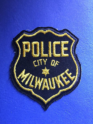 Milwaukee Wisconsin Police  Shoulder  Patch Old  Used