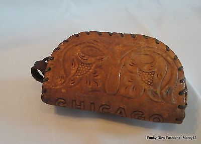 Sweet Vintage Embossed Tooled Leather Change Purse Souvenir of Chicago