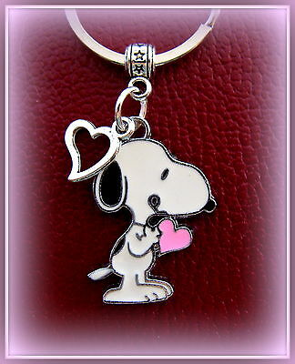 SNOOPY the Dog KEYCHAIN Jewelry - PEANUT's Charlie Brown's SNOOPY w/ Heart