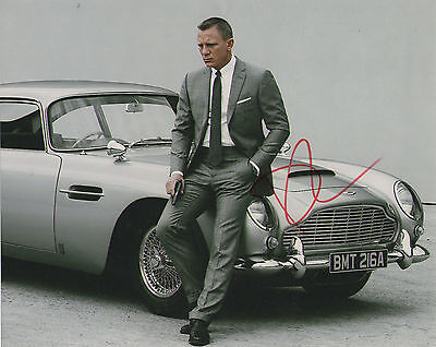 DANIEL CRAIG 'JAMES BOND' HAND SIGNED AUTOGRAPHED 8x10 PHOTO