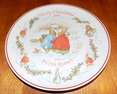 PETER RABBIT WEDGWOOD MERRY CHRISTMAS 1997 BONE CHINA Warne HOLIDAY PLATE 8""