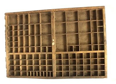 VINTAGE FRENCH INDUSTRIAL WOODEN PRINTERS TRAY. SHADOW BOX. 650mm X 440mm