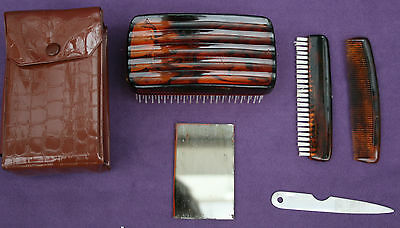 REALLY CHEAPLY MADE!    1970s VINTAGE MENS 5 PIECE GROOMING SET - SOUND CONDIT!