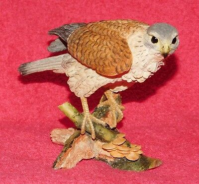 Hawk Falcon figurine Country Artists 2004 hand painted
