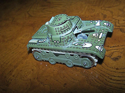 Gama Germany Sparking Tin Tank Wind-Up W/ Pop Up Driver Great Condition #1