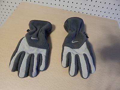 Youth Nike winter gloves - gray