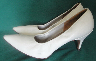 White Flexible Leather Pointed Toe Paganini High Heel Shoes 8