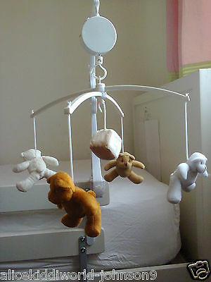 NEW Teddy Bear Family Baby Nursery  Musical Lullaby cotmobile cot mobile