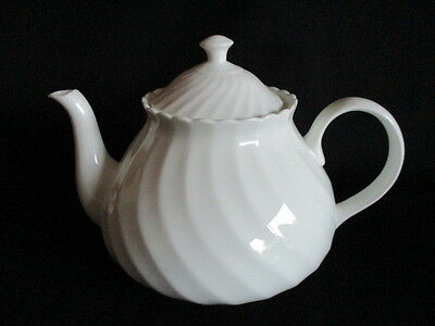 Vintage white china Tea pot lovely condition