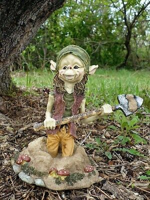 9 In. Pixie With Shovel Digging In Garden Anthony Fisher Elf Pixies Figurine