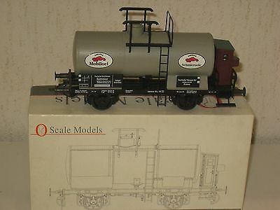 WAGON Citerne MOBIL OIL  fabrication O Scale Models Germany  échelle 0