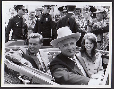 Martin Sheen as JFK Blair Brown as Jackie 1983 TV miniseries VINTAGE ORIG PHOTO
