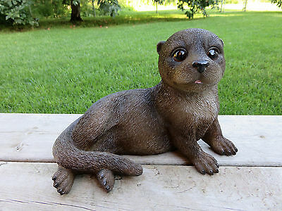 RIVER OTTER BROWN animal  LAYING DOWN resin NORTH AMERICAN OTTERS SWIMS