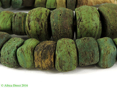 Hebron Trade Beads Green Africa 23 Inch