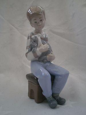 Nao/lladro Porcelain 1987 Glazed Boy With Sick Puppy Friend In Need Superb