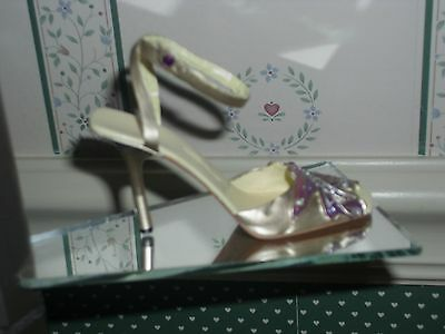 2004 Just The Right Shoe   Figurine-Lumina-Good Condition