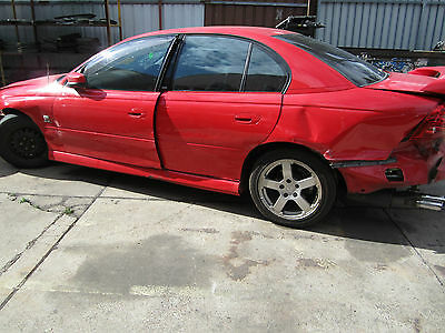 Holden Commodore VZ SV6  CURRENTLY WRECKING 1WHEEL NUT
