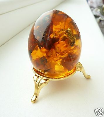 Baltic Amber Egg with Insect Inside. (k579)