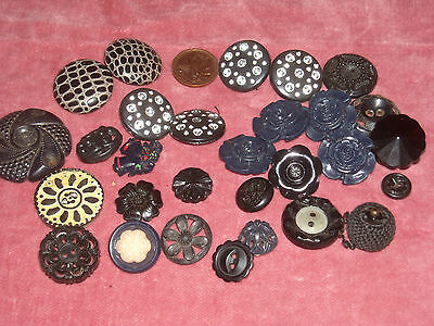N19 Vintage Lot of 29 early plastic mix deco buttons