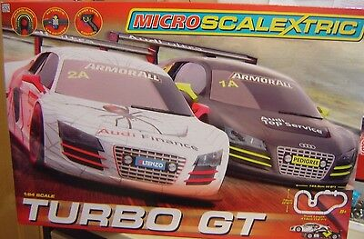 "Micro Scalextric 1:64 G1118 Turbo GT Komplettbahn ""Neu""(AND)"