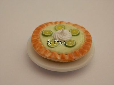 Dolls house food: Key lime tart  -By Fran