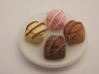 Dolls house food: Plate of French fancies  -By Fran