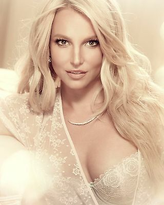 "Britney Spears 10"" x 8"" Photograph no 3"