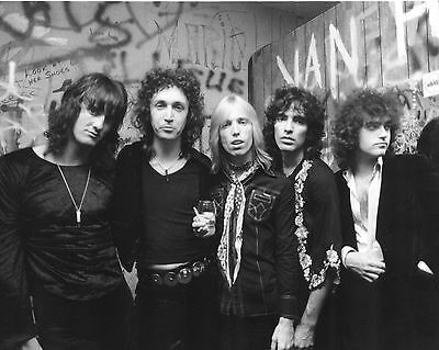 """Tom Petty and the Heartbreakers 10"""" x 8"""" Photograph no 1"""