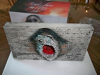Roger Waters Pink Floyd The Wall Live VIP Nation Concert Brick Resin Statue NIB