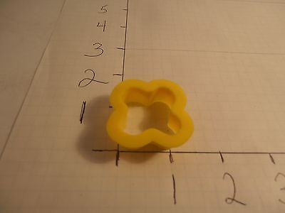 Miniature Flower1990 Wilton Cookie Cutter Plastic Holiday Spring Craft Play