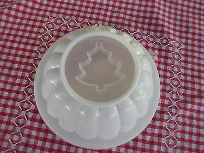 Vintage Tupperware White JEL-N-SERVE,JELLY MOULD COMPLETE WITH ALL SEALS