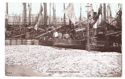 Early Postcard,Suffolk, Lowestoft, Shipping Herrings, Nice Card,