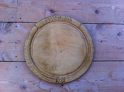DECORATIVE ANTIQUE CARVED SYCAMORE BREAD BOARD 11.7 inches