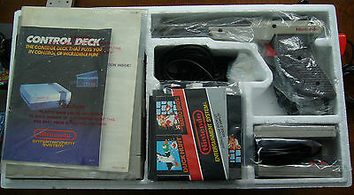 Nintendo nes action set console cib in excellent condition must see!!!
