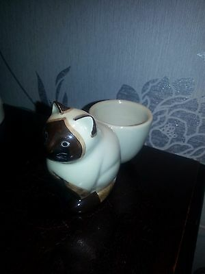 Q Quail Pottery Cat Figure Egg Cup In Mint Unused Condition