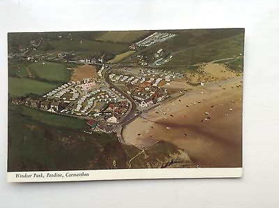 2Unused postcard -  WINDSOR PARK, PENDINE, CARMARTHEN - In excellent condition