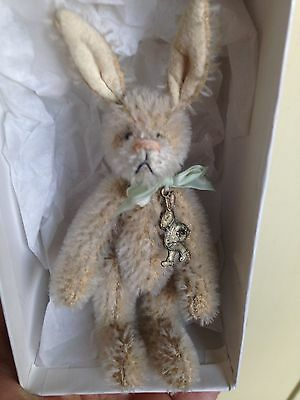 "Debbie Canham Bunny Rabbit Stuff Animal ""Peter"" Limited Edition VERY NICE IN BOX"