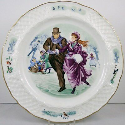Royal Worcester Christmas in the Country Plate ~ Skating