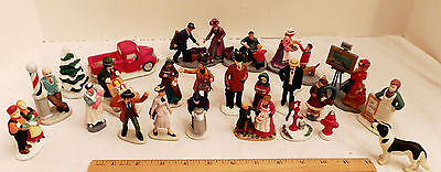 22 Christmas Village Piece  As Shown With People Figures Plus      Ae9-5