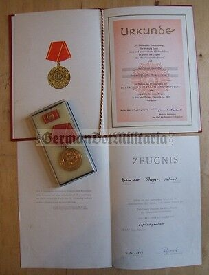 lc90) East German Berlin VP Volkspolizei Police medal & award documents DDR GDR