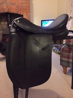 """GFS Monarch Dressage Saddle - 17.5"""" - Medium/Wide (Changeable) Black  2years old"""