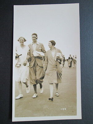GROUP OF HOLIDAYMAKERS, 1920s FASHION - WALKING PICTURE, REAL PHOTO POSTCARD