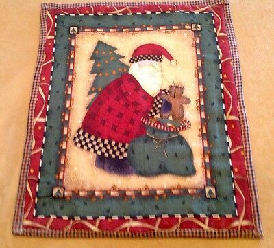 Country Christmas Quilt Wall Hanging, Santa Claus, Tree, Pack, Teddy Bear, Multi