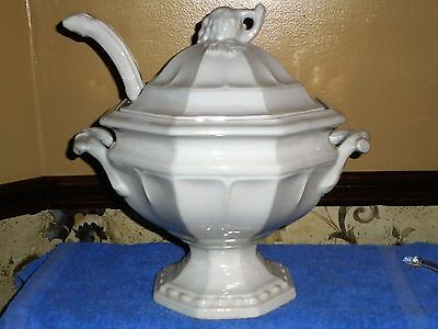 VINTAGE RED CLIFF IRONSTONE HEIRLOOM GRAPE PATTERN LARGE SOUP TUREEN with LADLE