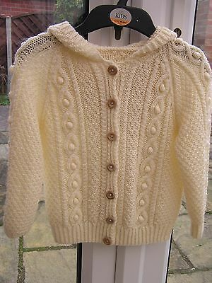 """""""BRAND NEW"""" Hand Knitted GIRLS Age 4 to 5 years ARAN Chunky Wool Hooded Cardigan"""