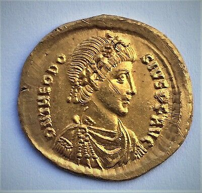 THEODOSIUS I the GREAT. GOLD Solidus. Constantinople mint.